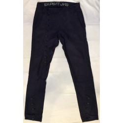 Pantalon bleu boutonné