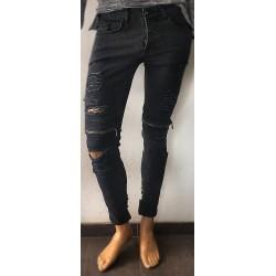 Pantalon noir déchiré