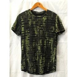 T-shirt trous
